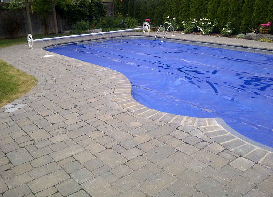 Heyes_Landscape_pool_decks_coping_1